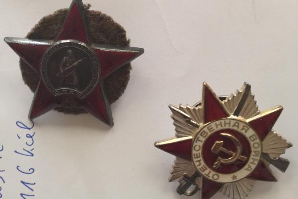 Orden des Roten Sterns - fuer aussergewöhnliche Leistungen bei der Verteidigung der Sowjetunion / Orden des Patriotischen Krieges (erste Klasse) - für Heldentaten während des Grossen Patriotischen Krieges